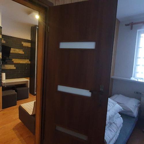 Pokój nr 1, rodzinny 2 pomieszczenia